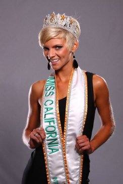 Miss CA U.S International 2010